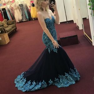 Perfect prom gown!